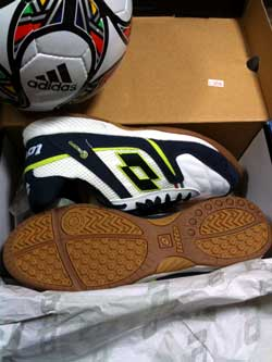 Futsal_shoes1